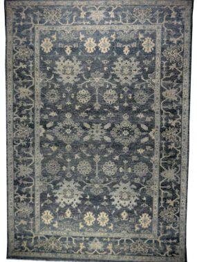 Oosters handgeknoopt zwart beige karpet Samarkand. Verkrijgbaar in: Arnhem Eindhoven en Tilburg.