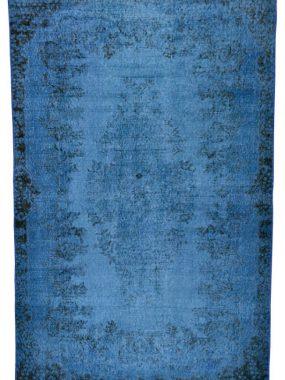 Stoer vintage handgemaakt zwart en blauwe karpetten Adana. Ideaal voor modern interieur. Onze showrooms: Eindhoven Tilburg Breda en Den Bosch