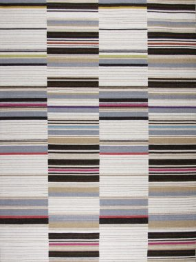 Tapijt Boston van wol met moderne lijnen in kleur blauw bruin en rood. Te koop in Den Bosch Tilburg en Eindhoven.