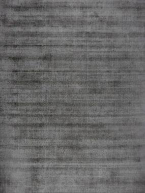 Goedkoop uni grijs vloerkleed Enzo toepasbaar in elk interieur. Vloerkleden specialist: Tilburg Breda Didam Enschede en Leiden.