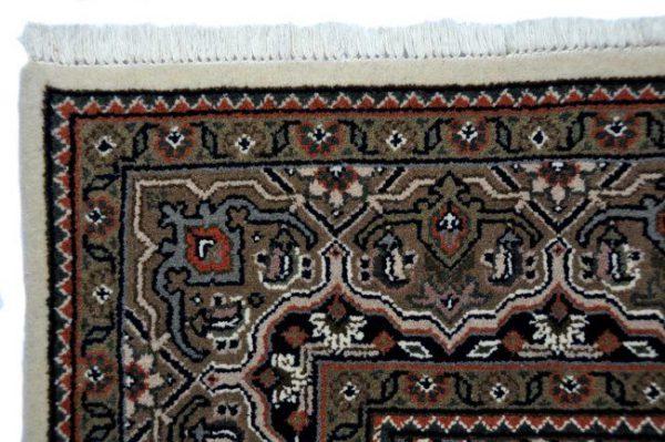 Herati-5-crema-bruin-85194-bovenkant-hoek