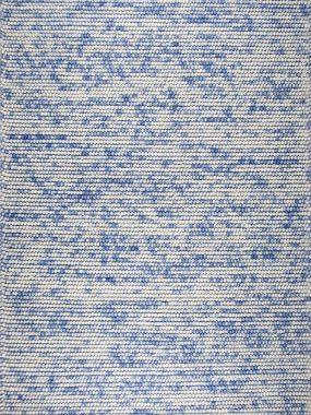 Trendy vloerkleed Manilla met hoge noppen, bollen of lussen in kleur blauw en beige. Leverbaar in Arnhem Zoetermeer Breda en Tilburg