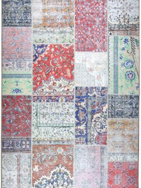 Zeer betaalbaar stoer tapijten met keuren rood grijs en groen uit stijlgroep Vintage & Patch. Te koop in: Wolvega Tilburg Den Bosch Eindhoven