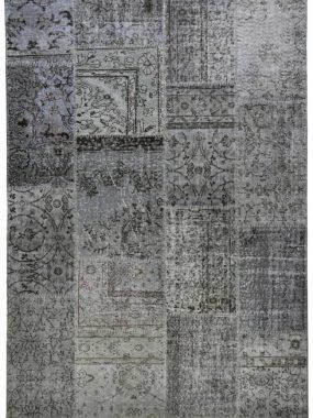 Patch tapijt met de kleuren grijs en beige. Maatwerk mogelijk en verkrijgbaar in: Eindhoven Tilburg Voorschoten Wolvega en Eindhoven