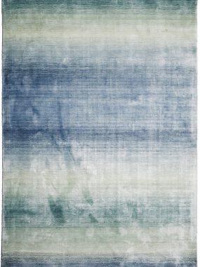 Zeer betaalbare polyester tapijten met kleurverloop van blauw naar turquoise. Showroom winkels: Tilburg Arnhem Breda Zoetermeer en Leiden