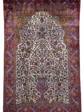 Uniek Perzisch Kechan tapijt verkrijgbaar bij Perez vloerkleden in Tilburg