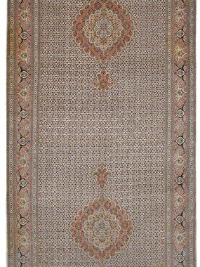 Uniek handgeknoopt Tabriz tapijt is verkrijgbaar bij Perez vloerkleden.