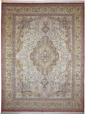 Uniek handgeknoopt Isfahan vloerkleed is verkrijgbaar bij Perez vloerkleden